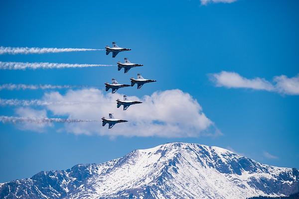 "USAF Thunderbirds over ""America's"" Mountain"