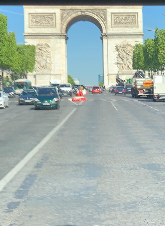 . Paris Champs Elysees