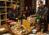 vinsmagning hos familien Roi i Auxey-Duresses. I dag er det yngste generation der sælger os vin...