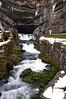 Source du Doubs - vandet kommer væltende ud af bjerget...