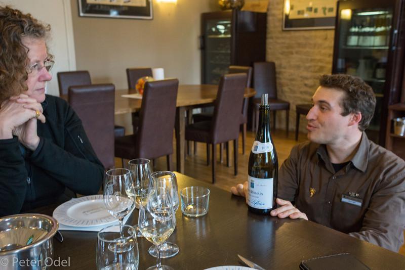 Frokost og vinsmagning hos Olivier Flaive i Puligny-Montrachet.  Vi havde fundet frem til stedet og ikke mindst den vidende vintjener Charles gennem Tripadvisor