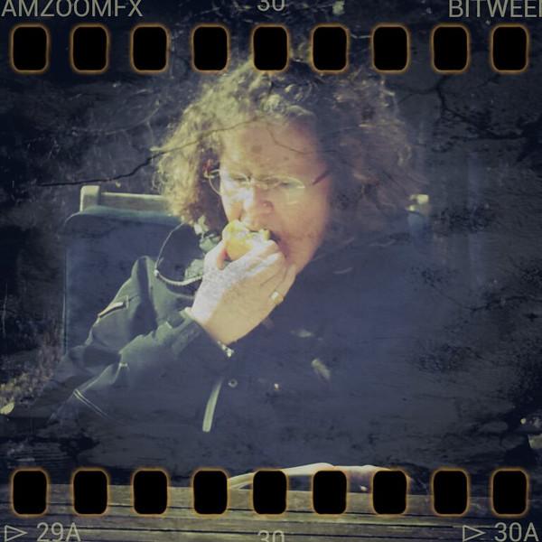 Første dag på terrassen... - billedet taget med min mobil..