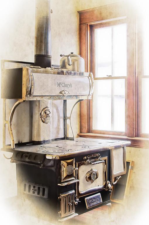 058 Feb 27/12 Hilliard Hotel stove