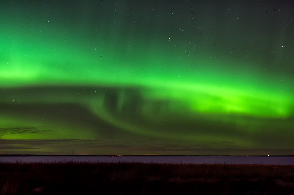 046 Feb 15/12 Northern Lights from last night.  A great display in the sky, but not quite bright enough to lower the shutter speed for a sharp shot.  The first 6 shots in this gallery http://www.wildelifephotography.com/Events/Weather/16618611_z6ZLSp#!i=1712224327&k=gp8Wrz2 are also from last night.