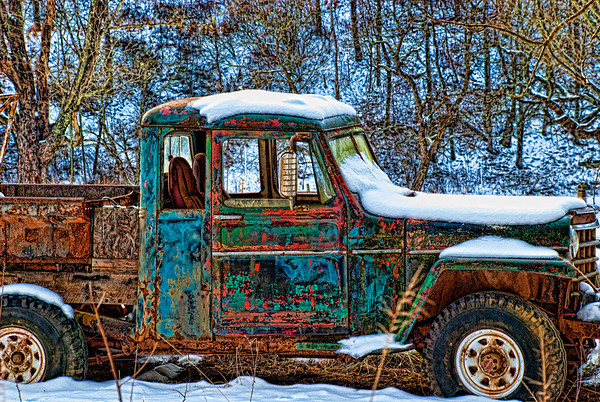Feb 12 - Out of Gas - My husband thinks this is an old Dodge Power Wagon.  I love the colors and the style of the old vehicle.  I would have liked to take more pictures of it, but it was on private property.