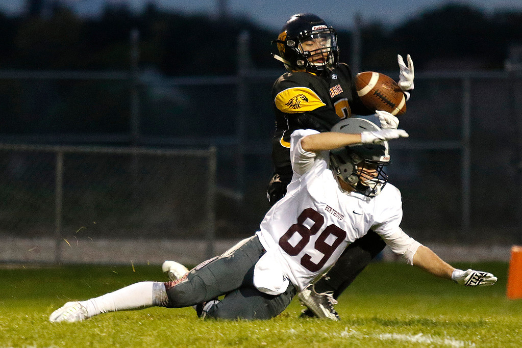 . Berthoud�s Jacob Rafferty (89) tries to intercept a pass from Thompson Valley�s Chris Sanchez (2) on Thursday, Sept. 28, 2017, at Patterson Field. (Photo by Lauren Cordova/Loveland Reporter-Herald)