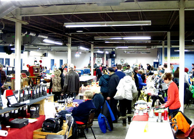 12/16   Saturday Morning at  Farmer's Market