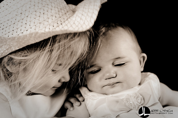 2010 07-01 - One more from Dora & Joelle's session.  So cute!