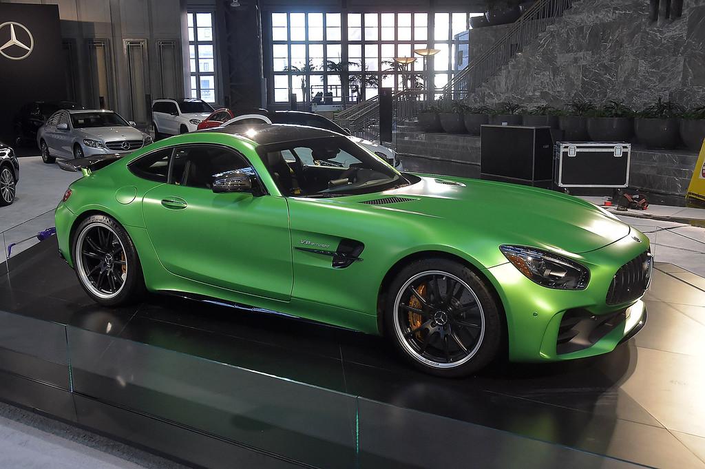 . Mercedes GT.