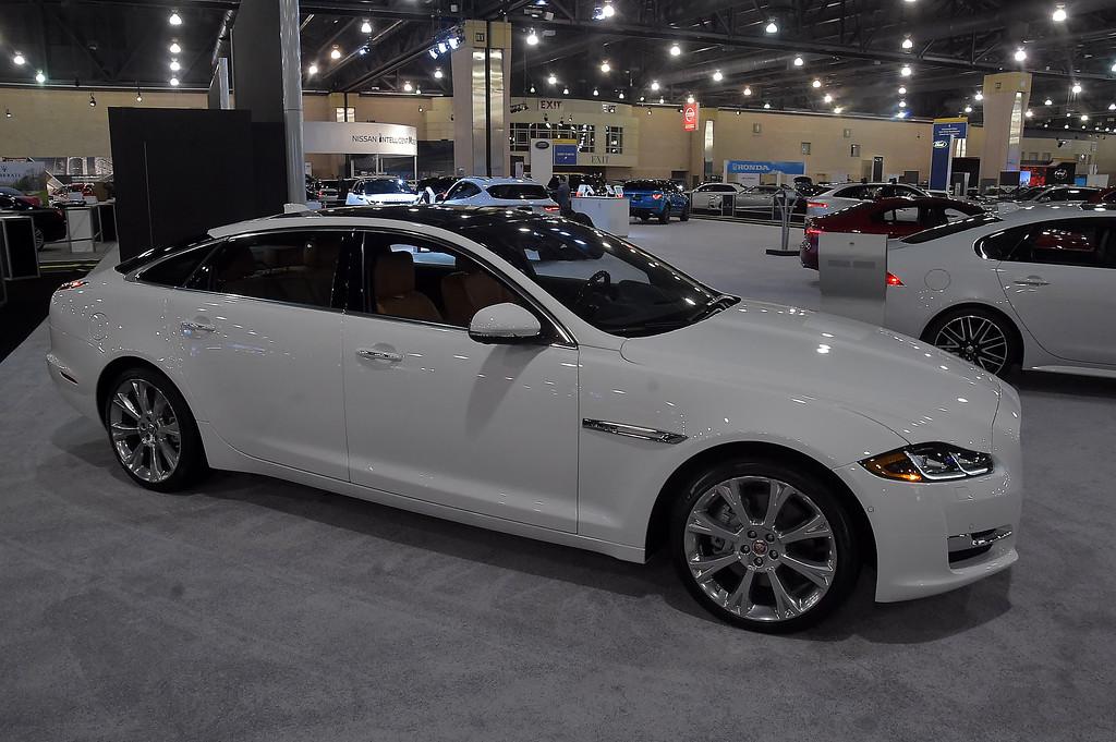 . Jaguar XJL