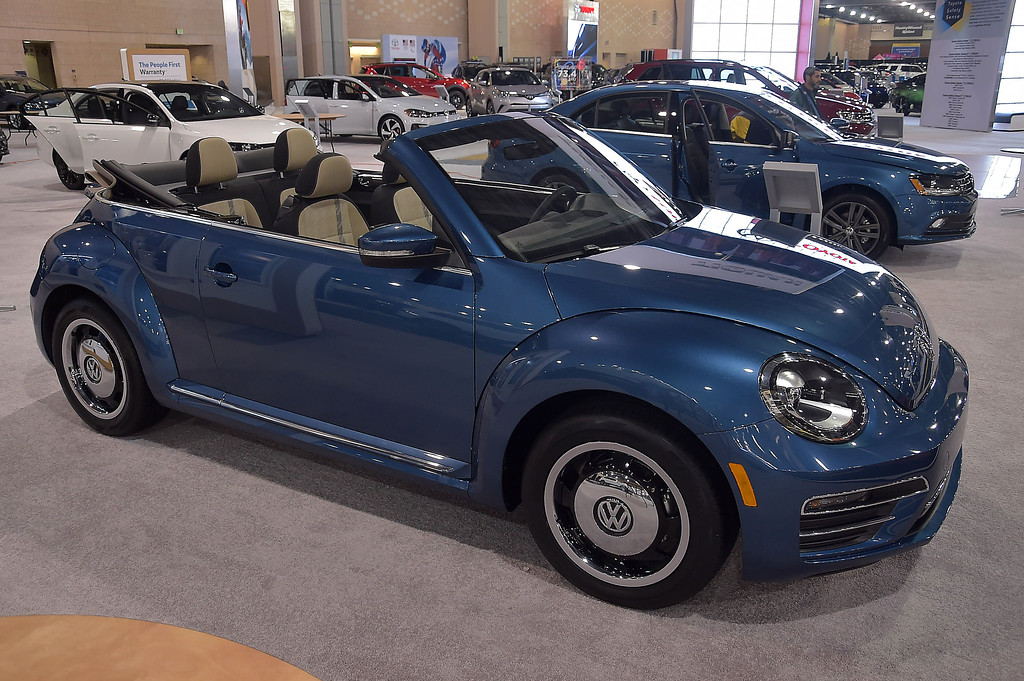 . Fun in the sun in this 2018 Beetle Convertible listed at $25.440. WIth a turbo charged direct inkection 4 cylinder.
