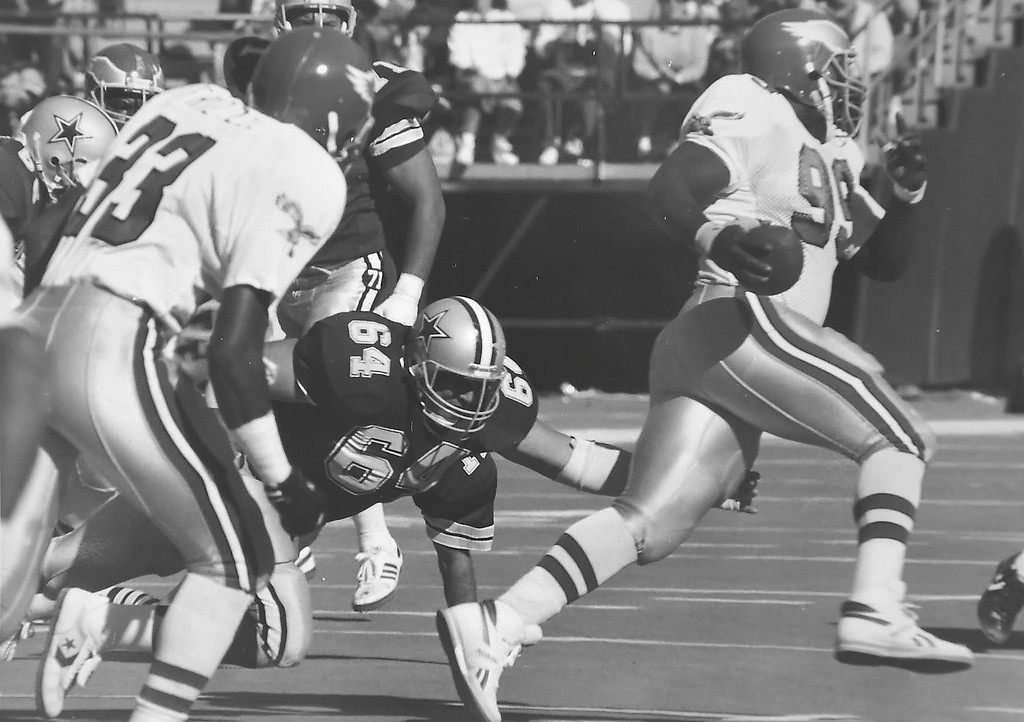 . Jerome Brown returns a fumble.  DAILY LOCAL NEWS ARCHIVES