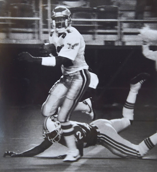 Mike Quick touchdown pass with New England's Ronnie Lippett defending.  Kristen Cortazzo photo   DAILY LOCAL NEWS ARCHIVES
