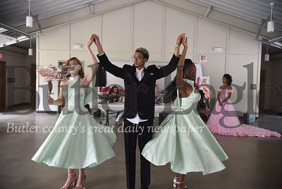 78808 Kyli Burton of Cranberry Twp quinceañera rehearsal at 4 Seasons Pavilion in Brady Run Park in Beaver