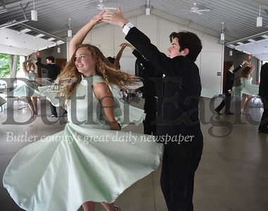 78808 Kyli Burton of Cranberry Twp quinceañera rehearsal at 4 Seasons Pavilion in Brady Run Park in Beaver