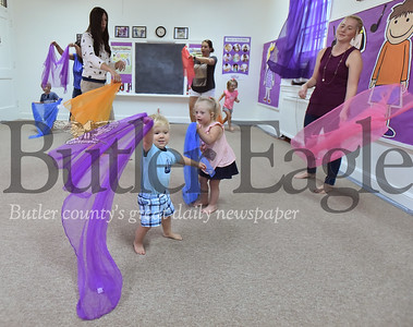 95963  Kindermusik class at Covenant United Presbyterian church in Butler