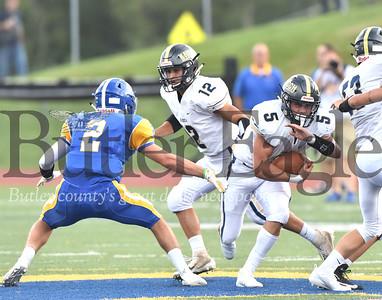 47623 Knoch vs Hampton football at Hampton High School stadium