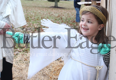 Harold Aughton/Special to the Eagle: Bailey Geitgey, 6, points to the 3 Kings as they make their way to the manger during Concordia Lutheran Ministries 6th Annual Live Nativity.