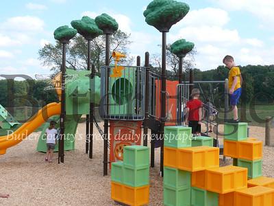 1009_LOC_Playground1