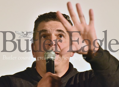 89598 Former Penguin Kevin Stevens  talks at a anti addiction speech  at Butler Middle School.