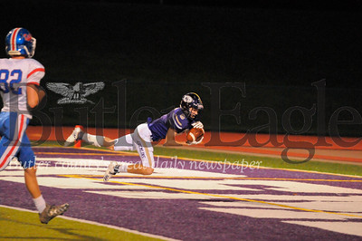 Karns City #6 Erik Pfeifer catches a touchdown in the end zone during a game at Karns City Stdium on Friday September 28, 2018 (Jason Swanson photo)