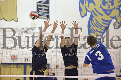 Butler's Luke McEachin (Left #11) and Nate Sespico (8) go for a block. Seb Foltz/Butler Eagle