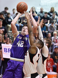Moniteau vs Karns City in a district 9 boys basketball game at Moniteau High School
