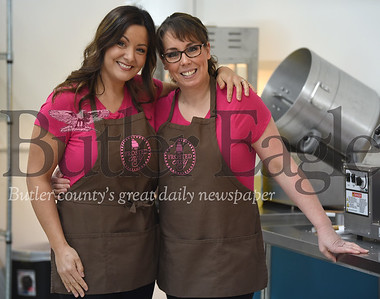 "78803 Les Polinko and Cathy Bernheimer are teaming up to appear on Food Network show ""Winner Cake All"" on Jan. 21"