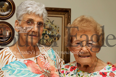 Shirley Grossman and Eleanor Hendler -- Knitting story Seb Foltz/Butler Eagle 07/24/19