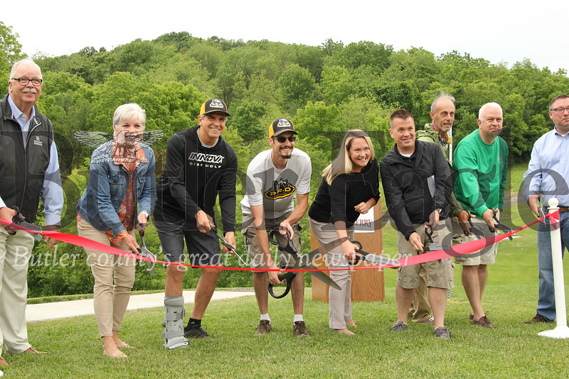 Cranberry Township officials cut the ribbon officially celebrating the opening of the North Boundary Park disc golf course Saturday. Seb Foltz/ Butler Eagle