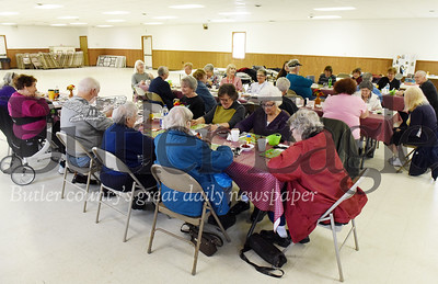 Harold Aughton/Butler Eagle: About 27 seniors gathered at the Southeast Senior Center in Cabot Thurs., Nov. 14 to play Bingo and celebrate Thanksgiving.