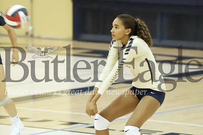 Ava Carney sets up for a bump during Monday's 3-1 Butler win over Mars. Seb Foltz/Butler Eagle