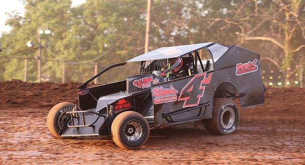 Lernerville Friday 08/14/20  Car 4 won heat. Seb Foltz/Butler Eagle