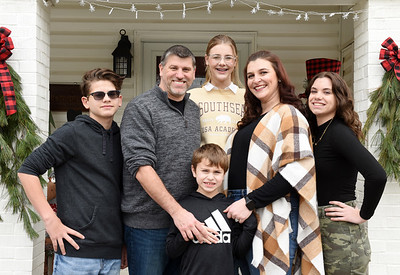 The Osborne Family, from left, Richard, III, 14, Richard, Jr., Ciarra 12, Xavier, 8, Hannah, Isabella,15. Harold Aughton/Butler Eagle