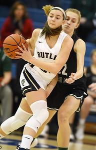 Harold Aughton/Butler Eagle: Butler's Makenna Maier pushes the ball down the court against Pine-Richland Thursday, December 19, 2019.