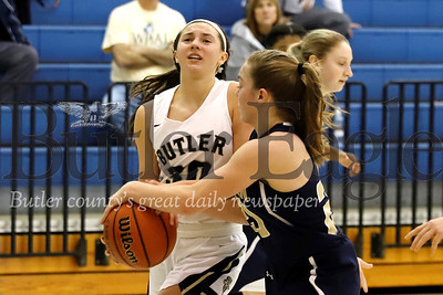 Norwin's Mara Polczynski (20) attempts a steal on Butler's Makenna Maier. Seb Foltz/Butler Eagle