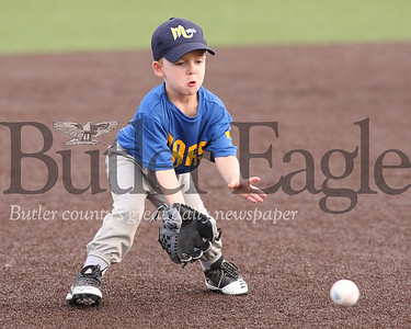William Rayball gets ready to field a ground ball at third base during a Mars 6-and-under youth baseball game Thursday 07/09/20. Seb Foltz/Butler Eagle (at Mars ball fields off 228)