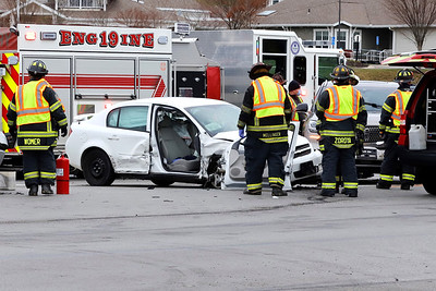 Accident on Route 228 and Warendale Rd./Pittsburgh St. intersection. Tuesday 11/24/20  Seb Foltz/Butler Eagle
