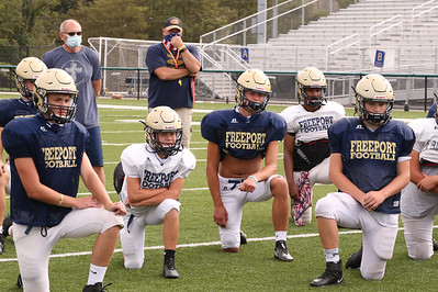 NOTE HOLD FOR FUTURE STORY?  Freeport players with Garrett King