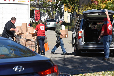 Salvation Army distriubted food Friday afternoon during a food pick up event. Harold Aughton/Butler Eagle