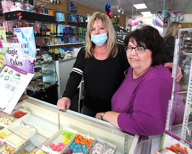 Mary's Cake and Candy owner Mary Ball (right) and managerand daughter Tina Villaire. Seb Foltz/Butler Eagle 03/30/21
