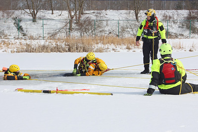 Ice rescue training at Butler County Community College Wednesday. Seb Foltz/Butler Eagle 02/17/21