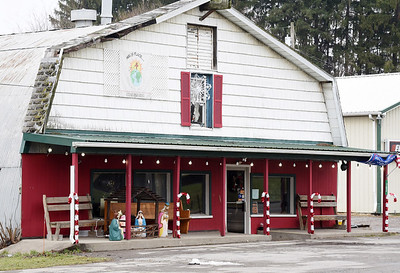 Slug: 0107_LOC_MelsCUTLINE: Mel's Place in Cabot was ordered to temporarily on Dec. 30, 2020 by the state for operating with dine in service during the governors most recent set of Covid restrictions that lasted until Jan. 4, 2021.Photo by Harold Aughton