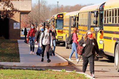 Students leave Mars Area Middle School Thursday. Seb Foltz/Butler Eagle 11/12/20