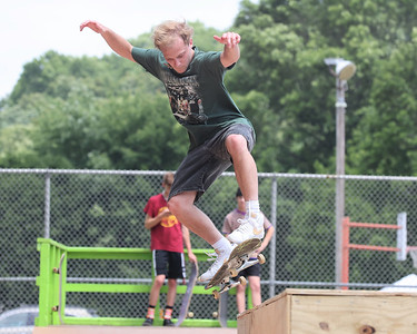 Justin Hayward, 22, of Cranberry ollies on to a box feature during pre-competition practice at Father Marinaro Park Saturday. Seb Foltz/Butler Eagle 06/26/21