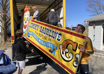 Jimmy Bashline's circus returned to Butler county Friday. Photos by Eric Jankiewicz