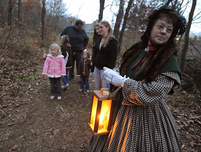 38913 Halloween activities at Old Stone House