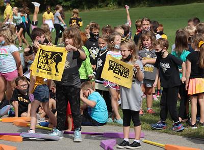 Knoch Elementary School students welcome Penguins defender Brian Dumoulin Thursday. Seb Foltz/Butler Eagle 09/16/21