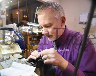 78114 Robert Stephens Custom Jeweler valentines story