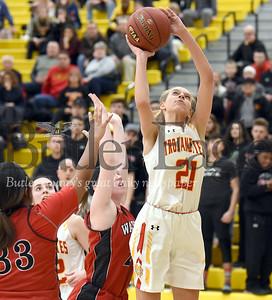 North Catholic vs Elizabeth Forward  in the WPIAL Class 4-A Boys basketball Semi-Finals game at North Allegheny High school